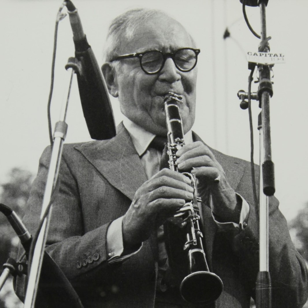 Benny Goodman playing his clarinet at Knebworth House 1982