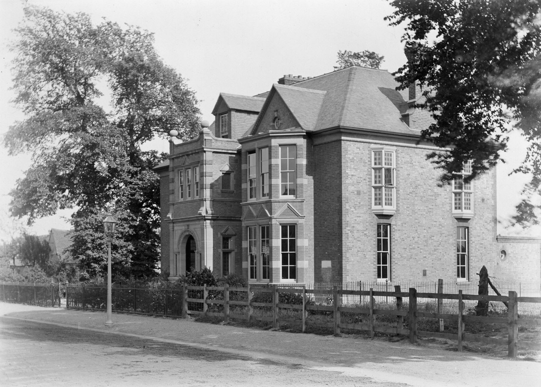 Manor Club, Kingston Road