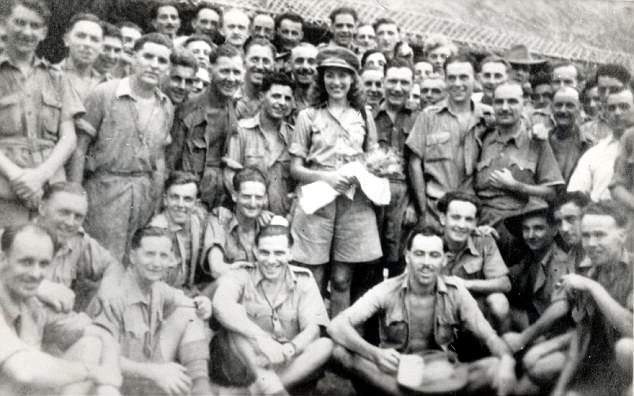 Vera Lynn meets 14th Army troops in Burma
