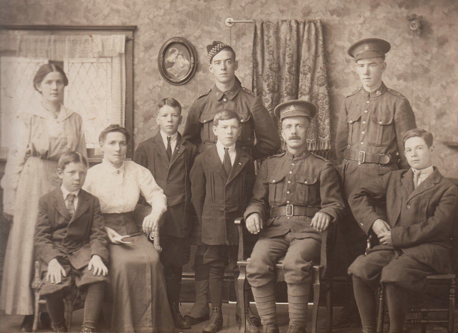 Family group WW1